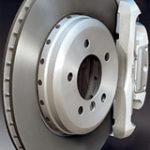 Como cambiar los frenos delanteros de mi automóvil?